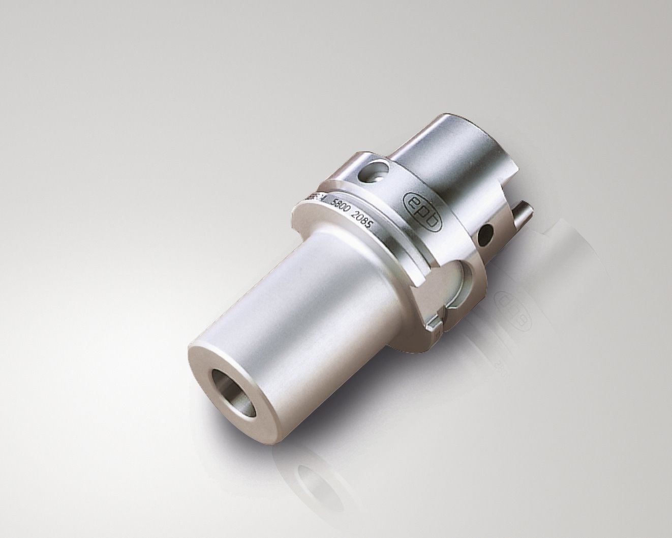 20035539_Shrinkfit_Holders-Cylindrical_With_Product_Background.tif